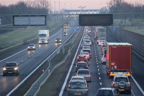 oto najbardziej zatłoczone drogi na dolnym śląsku nawet 750 aut na godzinę