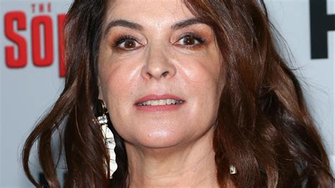 sopranos actress annabella sciorra  sues harvey
