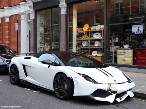crashed white lamborghini lamborghini gallardo lp570 4 performante smashes front end