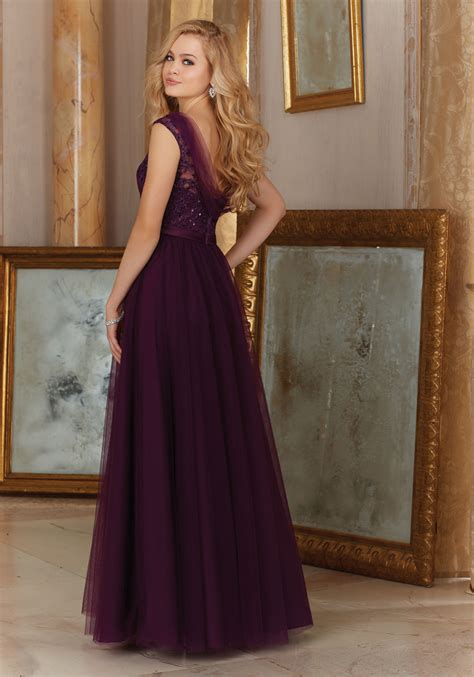 stunning tulle  embroidery bridesmaid dress style