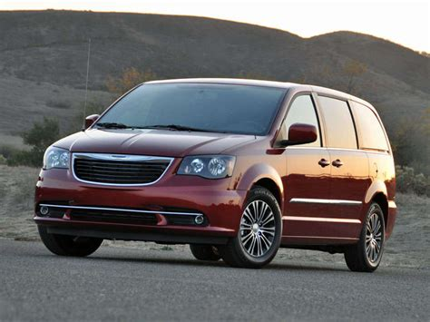 town and country test 2014 chrysler town and country minivan road test and review autobytel