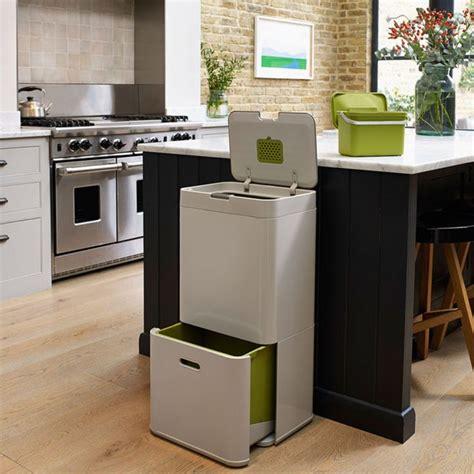 poubelle de placard cuisine les 25 meilleures idées concernant poubelle cuisine sur