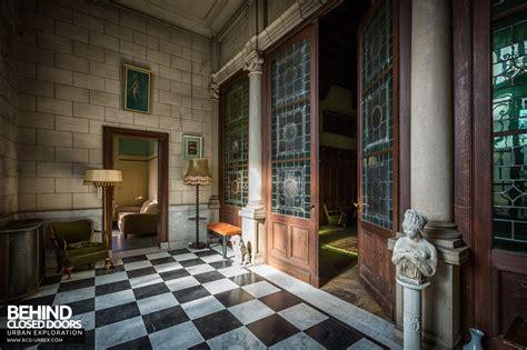 town mansion belgium urbex  closed doors urban