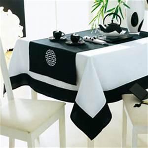 Nappe De Table Rectangulaire : nappe chemin de table et serviettes ideogrammes ~ Teatrodelosmanantiales.com Idées de Décoration
