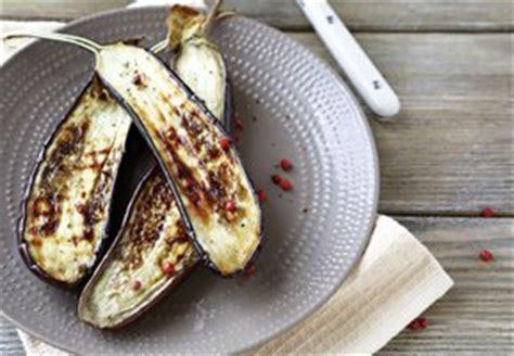 comment cuisiner des aubergines au four comment cuisiner avec l aubergine