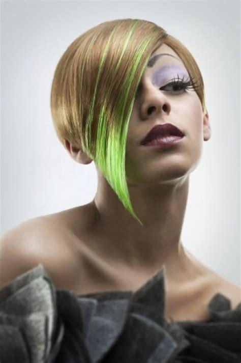 short mid ear length hair   green color flash