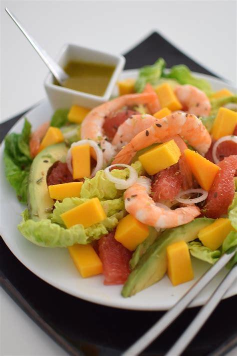 cuisiner crabe la salade fruitée aux crevettes lovalinda