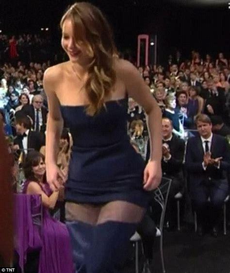 dress miss vianna bafta awards 2013 marion cotillard almost reveals