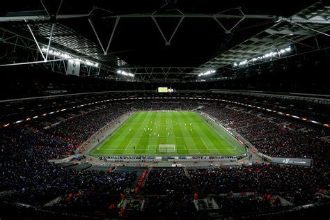 uks  biggest football stadiums london