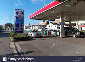Station Essence Luxembourg : esso petrol gas station photos esso petrol gas station images alamy ~ Medecine-chirurgie-esthetiques.com Avis de Voitures