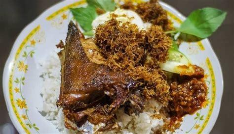 Lihat juga resep sambel bebek madura enak lainnya. Bikin Sambal Lalapan Cabang Purnama - Resep Sambal Ayam Goreng Purnama / Ada lagi tempat makan ...