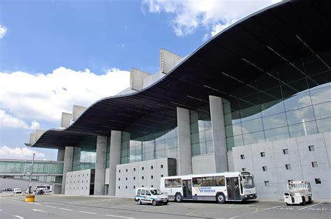 aeroport bordeaux merignac recrutement adbm le b c 244 t 233 pistes a 233 roport de bordeaux m 233 rignac