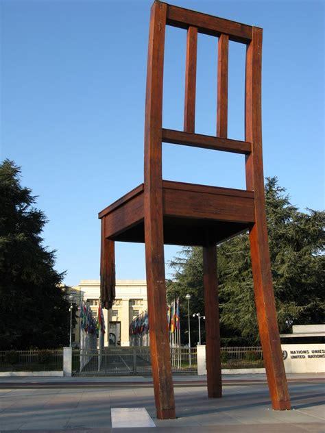 chaise cassée panoramio photo of ève chaise cassée place des