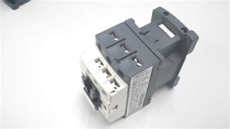 lc1d09 button relay