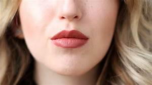 REVIEW   MAC Taupe Lipstick - Lily Like