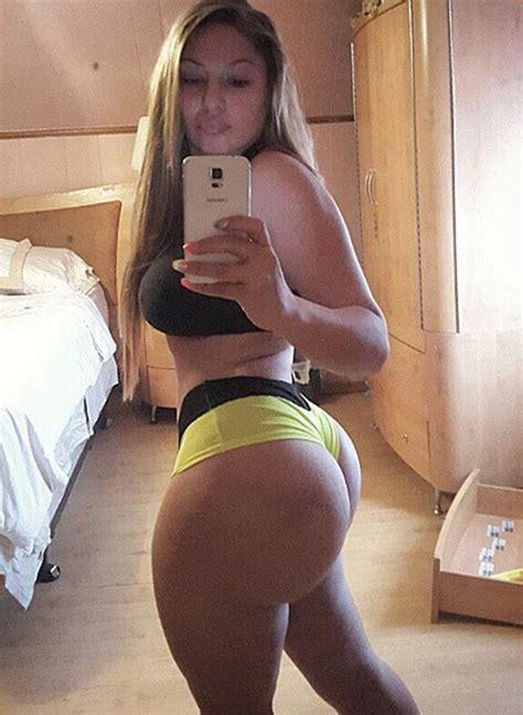 Big Booty Latina Post