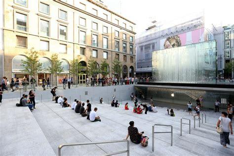 foto apple store  milano  piazza liberty radio deejay