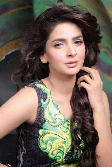 Pakistani Actress And Model Saba Qamar Latest Bikini Hot