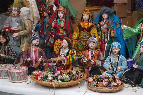 applied art handicrafts  uzbekistan