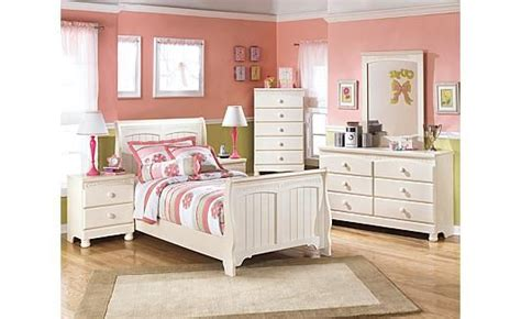 Bedroom Sets On Craigslist by Cottage Retreat Sleigh Bedroom Set Ideas For Future Home