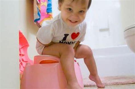 apprendre le pot a bebe comment apprendre le pot 28 images voici comment apprendre le pot 224 votre enfant en