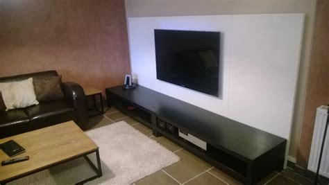 planche de bureau ikea un mur télé avec des plateaux linnmon bidouilles ikea
