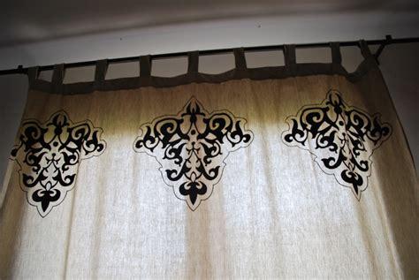 peinture sur tissu mural peindre du tissu avec la satinelle eleonore d 233 co