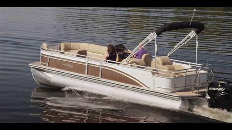 Cool Fishing Boat Ideas by Best 25 Luxury Pontoon Boats Ideas On Pinterest Cool