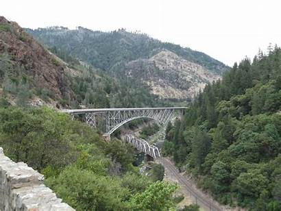 River Feather Canyon Train Again Above California