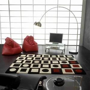 Tapis Noir Et Rouge : tapis de luxe design noir blanc cass et pointes de rouge simbols red par carving ~ Dallasstarsshop.com Idées de Décoration