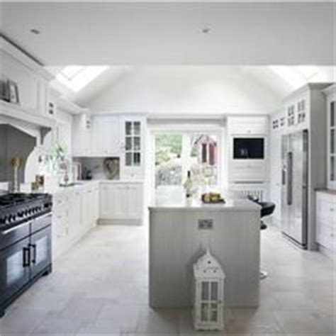 farrow and white kitchen cabinets 1000 images about paint colors on farrow 9873