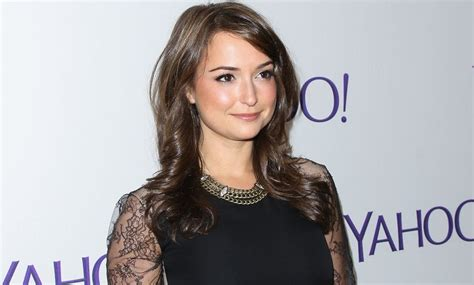 milana vayntrub net worth milana vayntrub net worth 2019 celebs net worth today