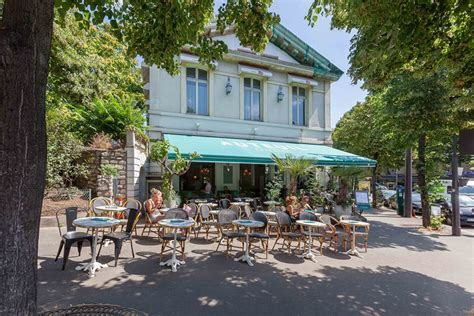 porte va et vient cuisine la brasserie d 39 auteuil terrasse gastronomie italienne