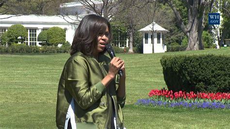 obama plants the white house kitchen