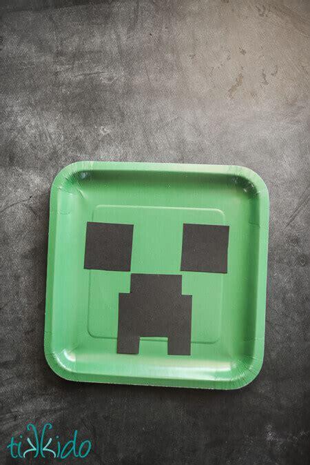 creeper birthday party paper plates tutorial tikkidocom