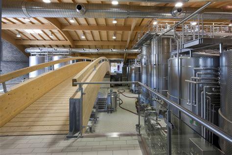 cantina  montalcino  brunello wine wine architecture