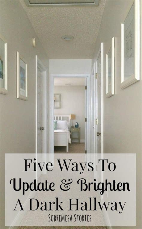 Dunklen Flur Farblich Gestalten by Best 25 Narrow Hallway Decorating Ideas On