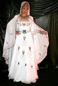 mariage kabyle mariage en algérie robe kabyle