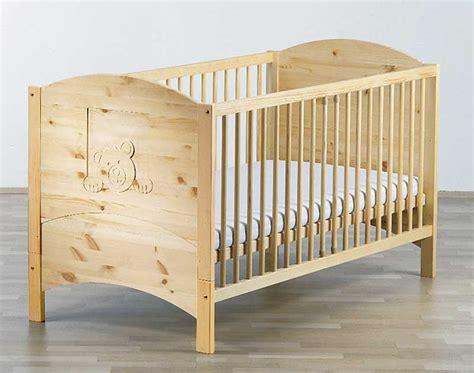 chambre bébé en bois massif lit bebe bois massif