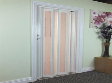 Plastic Closet Doors by Folding Doors For Bathrooms Accordion Closet Doors