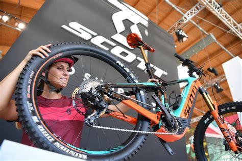 fahrrad neuheiten 2017 fahrrad neuheiten und highlights der eurobike messe 252 bers laufen in berlin vom