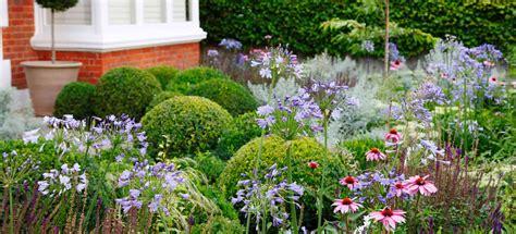 west putney flowering front garden belderbos