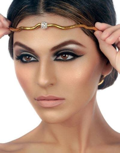 Egyptian Eye Makeup Create An Alluring Look