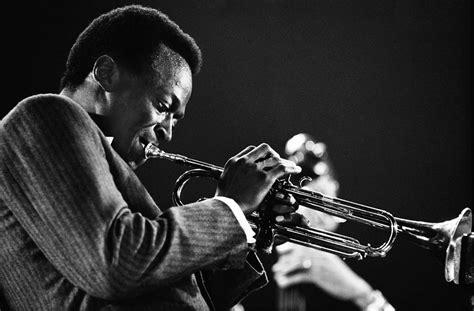 Kind of Blue e o tempo que perdi sem escutar Miles Davis ...