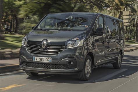 renault vans nine seat renault trafic spaceclass van introduced auto