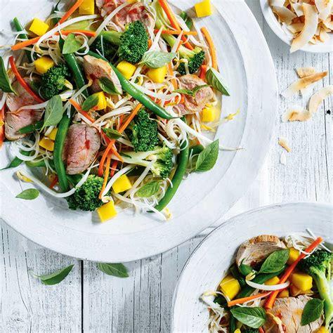 de cuisine qui cuit salade de filet de porc thaï ricardo