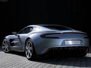 Aston One 77 : tuning aston martin one 77 coupe 2012 online accessories and spare parts for tuning aston ~ Medecine-chirurgie-esthetiques.com Avis de Voitures