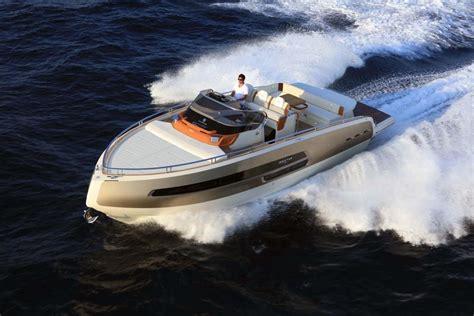 klop watersport introduceert invictus yacht  nederland