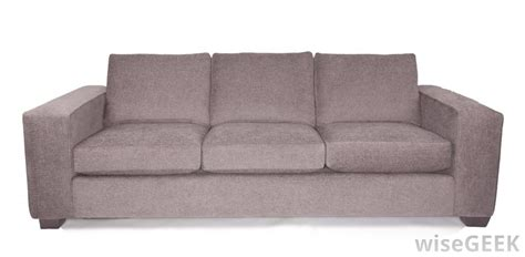 what are the differences between a sofa and a loveseat