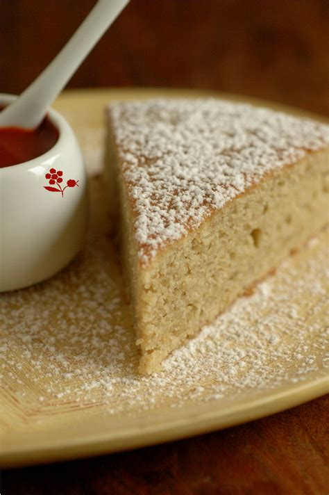 g 194 teau moelleux compote pomme fenouil epices coulis fraise goji gourmandise